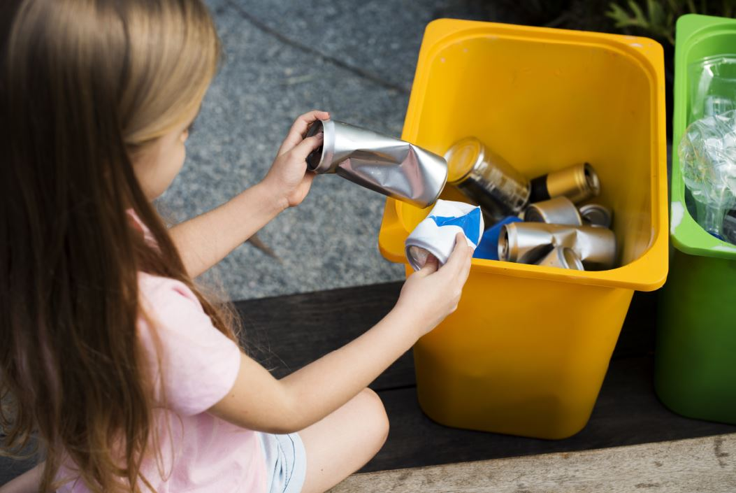 child recycling
